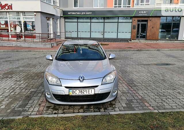 Серый Рено Меган, объемом двигателя 1.6 л и пробегом 148 тыс. км за 7500 $, фото 1 на Automoto.ua