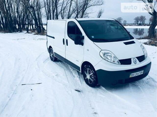 Белый Рено Трафик груз., объемом двигателя 2 л и пробегом 240 тыс. км за 8500 $, фото 1 на Automoto.ua