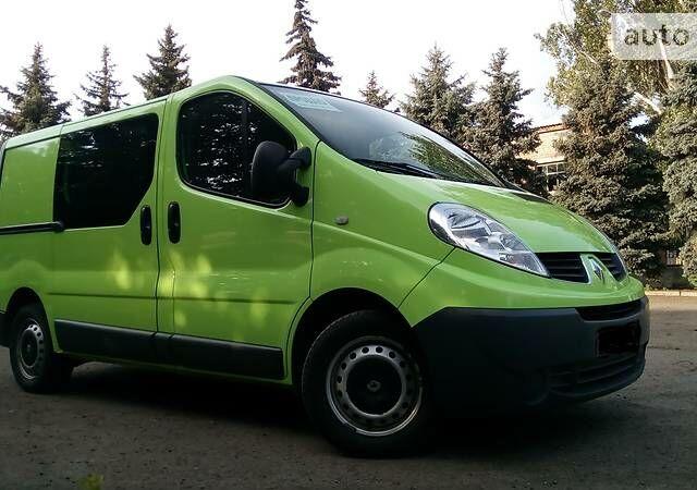 Зеленый Рено Трафик груз., объемом двигателя 2 л и пробегом 136 тыс. км за 10500 $, фото 1 на Automoto.ua