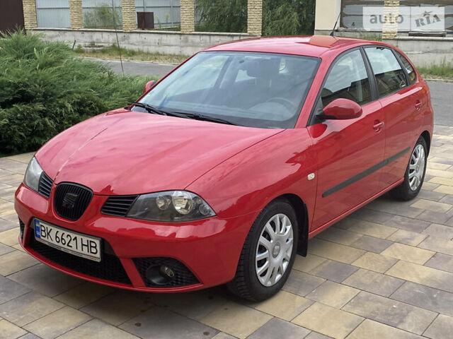 Червоний Сеат Ibiza, об'ємом двигуна 1.4 л та пробігом 215 тис. км за 5200 $, фото 1 на Automoto.ua