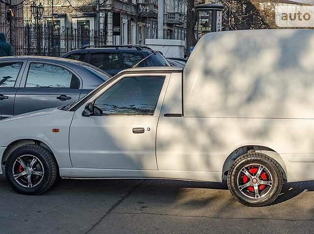 Білий Шкода Феліція, об'ємом двигуна 1.3 л та пробігом 340 тис. км за 2200 $, фото 1 на Automoto.ua