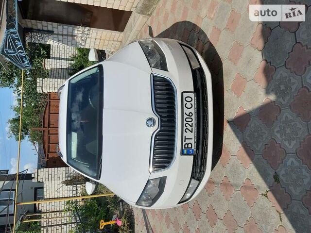 Белый Шкода Октавия, объемом двигателя 1.6 л и пробегом 316 тыс. км за 12000 $, фото 1 на Automoto.ua