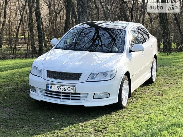 Белый Шкода Октавия, объемом двигателя 1.8 л и пробегом 182 тыс. км за 10100 $, фото 1 на Automoto.ua