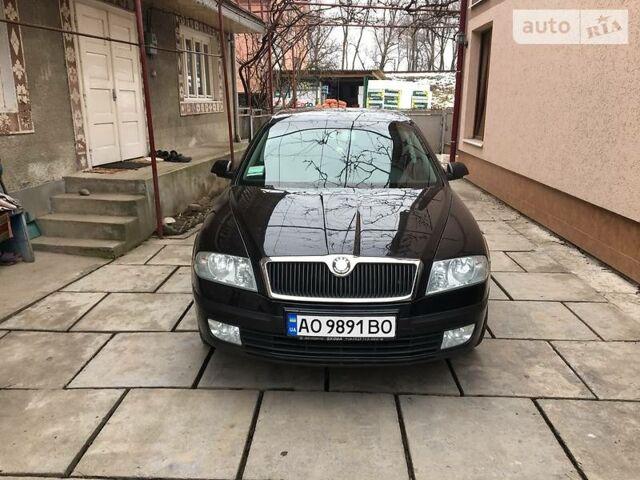 Черный Шкода Октавия, объемом двигателя 1.6 л и пробегом 143 тыс. км за 7850 $, фото 1 на Automoto.ua