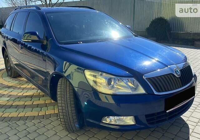 Синій Шкода Октавія, об'ємом двигуна 0 л та пробігом 250 тис. км за 8750 $, фото 1 на Automoto.ua