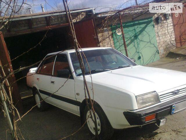 Белый Субару 1600, объемом двигателя 1.6 л и пробегом 240 тыс. км за 2200 $, фото 1 на Automoto.ua