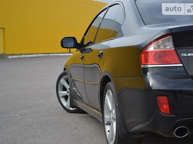 Черный Субару Легаси, объемом двигателя 2 л и пробегом 139 тыс. км за 8500 $, фото 1 на Automoto.ua