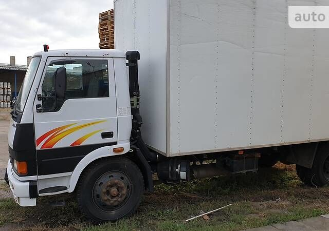 Білий TATA 1116, об'ємом двигуна 5.67 л та пробігом 180 тис. км за 9000 $, фото 1 на Automoto.ua
