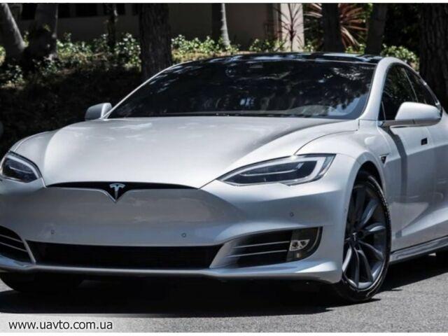 Серебряный Тесла Модель С, объемом двигателя 0 л и пробегом 21 тыс. км за 76017 $, фото 1 на Automoto.ua
