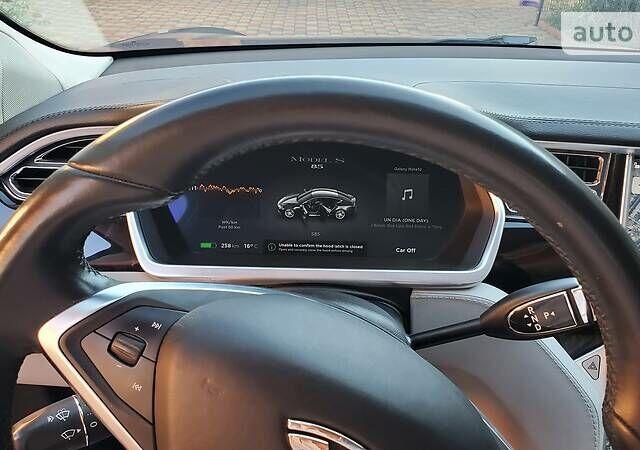 Серый Тесла Модель С, объемом двигателя 0 л и пробегом 95 тыс. км за 24500 $, фото 1 на Automoto.ua