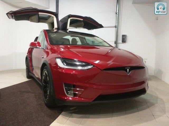 Красный Тесла Модель Х, объемом двигателя 0 л и пробегом 11 тыс. км за 90000 $, фото 1 на Automoto.ua