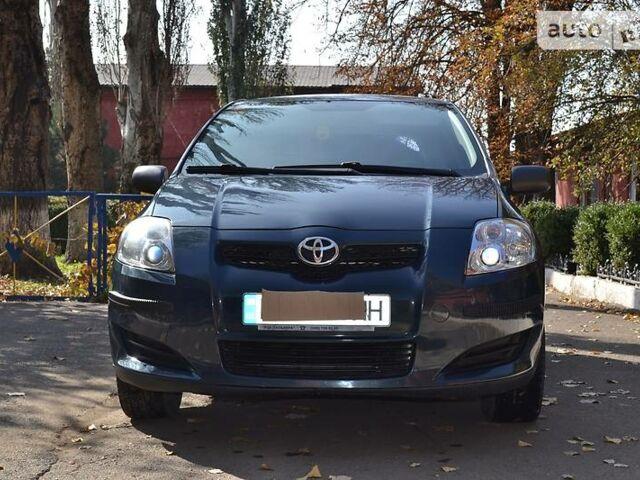 Тойота Аурис, объемом двигателя 1.6 л и пробегом 98 тыс. км за 9100 $, фото 1 на Automoto.ua