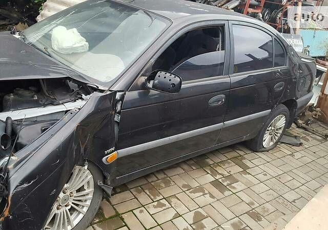Черный Тойота Авенсис, объемом двигателя 1.8 л и пробегом 250 тыс. км за 1500 $, фото 1 на Automoto.ua