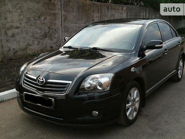 Черный Тойота Авенсис, объемом двигателя 1.8 л и пробегом 130 тыс. км за 10000 $, фото 1 на Automoto.ua