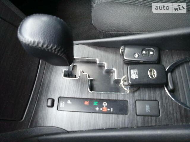 Красный Тойота Авенсис, объемом двигателя 2.2 л и пробегом 157 тыс. км за 9990 $, фото 1 на Automoto.ua