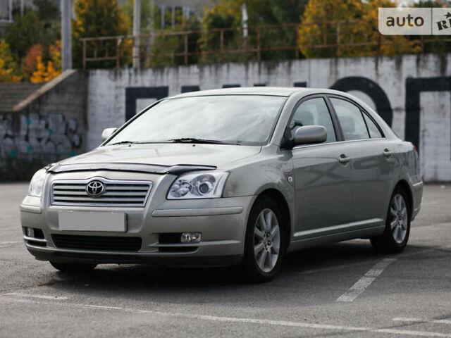 Сірий Тойота Авенсіс, об'ємом двигуна 2 л та пробігом 250 тис. км за 6950 $, фото 1 на Automoto.ua