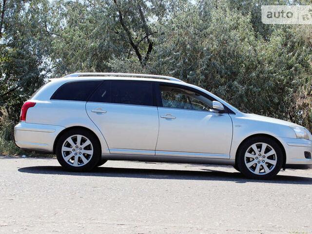 Серый Тойота Авенсис, объемом двигателя 2.2 л и пробегом 201 тыс. км за 8500 $, фото 1 на Automoto.ua
