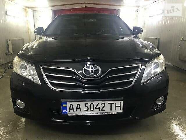 Черный Тойота Камри, объемом двигателя 2.4 л и пробегом 120 тыс. км за 13500 $, фото 1 на Automoto.ua