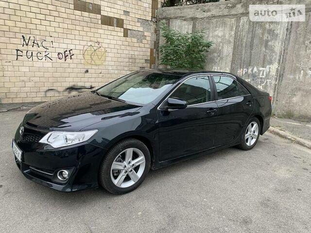 Черный Тойота Камри, объемом двигателя 2.5 л и пробегом 197 тыс. км за 12000 $, фото 1 на Automoto.ua