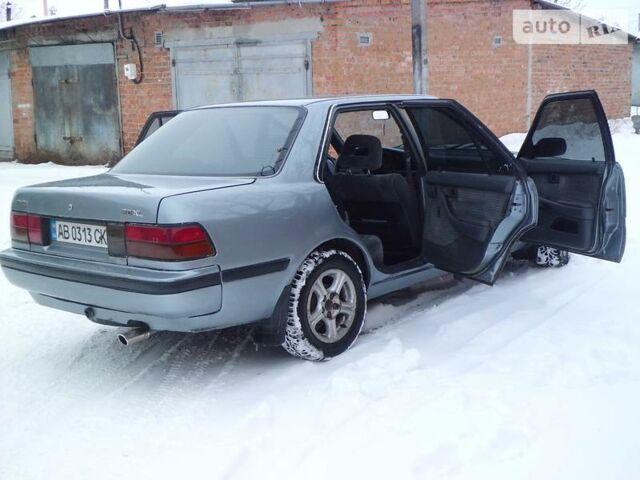 Срібний Тойота Каріна, об'ємом двигуна 2 л та пробігом 20 тис. км за 2850 $, фото 1 на Automoto.ua