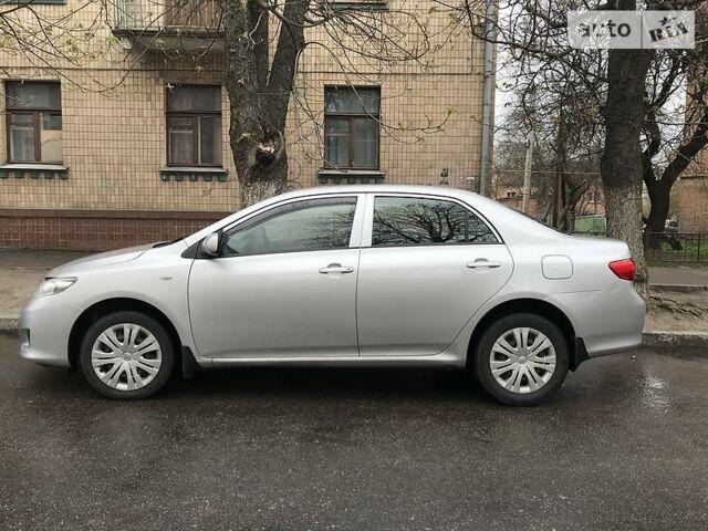 Серый Тойота Королла, объемом двигателя 1.6 л и пробегом 250 тыс. км за 6500 $, фото 1 на Automoto.ua