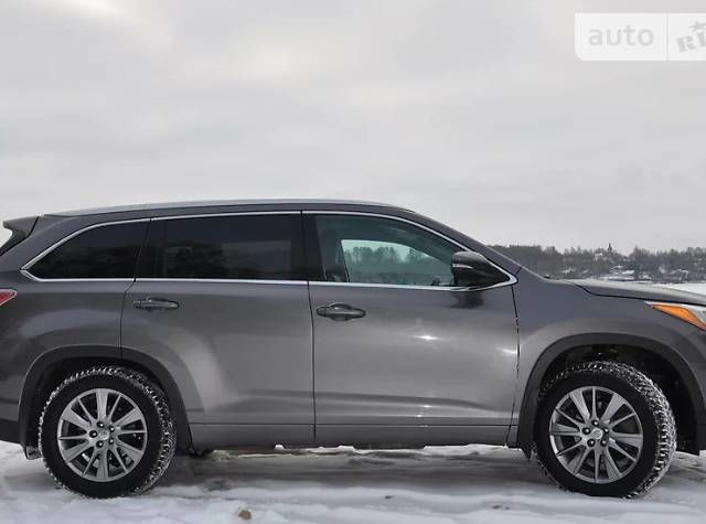 Тойота Хайлендер, об'ємом двигуна 3.5 л та пробігом 30 тис. км за 32000 $, фото 1 на Automoto.ua