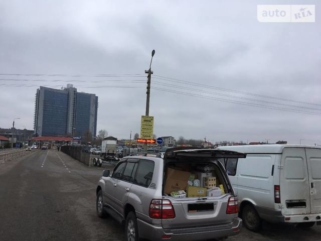 Тойота Ленд Крузер 100, объемом двигателя 4.7 л и пробегом 184 тыс. км за 17500 $, фото 1 на Automoto.ua