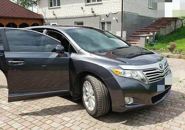 Серый Тойота Венза, объемом двигателя 2.7 л и пробегом 184 тыс. км за 15900 $, фото 1 на Automoto.ua