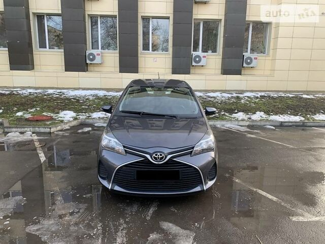 Серый Тойота Ярис, объемом двигателя 1.3 л и пробегом 55 тыс. км за 11900 $, фото 1 на Automoto.ua