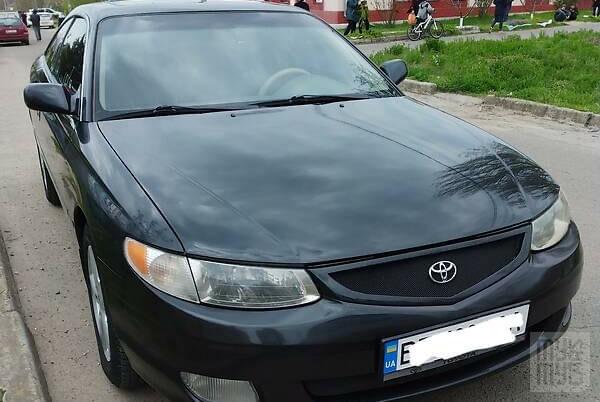 Черный Тойота Camry Solara, объемом двигателя 2.2 л и пробегом 300 тыс. км за 5000 $, фото 1 на Automoto.ua