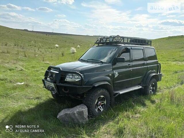 Чорний УАЗ 3163, об'ємом двигуна 3 л та пробігом 100 тис. км за 8000 $, фото 1 на Automoto.ua