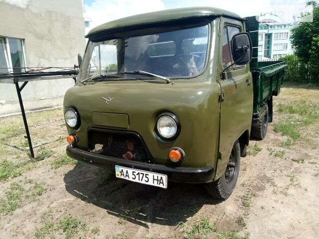 Зеленый УАЗ 3303, объемом двигателя 2.4 л и пробегом 30 тыс. км за 3600 $, фото 1 на Automoto.ua