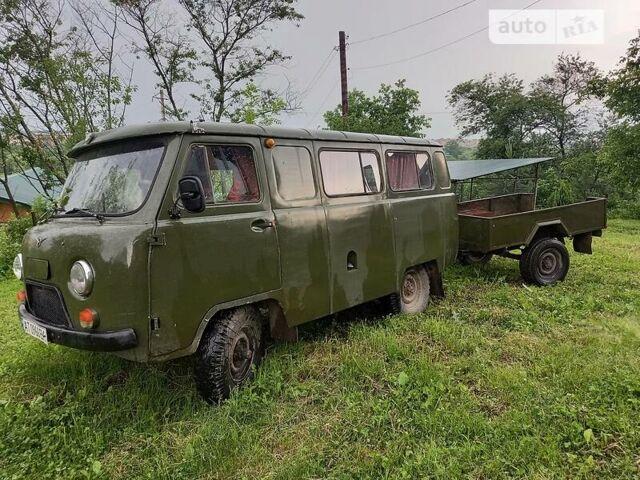Зеленый УАЗ 452 пасс., объемом двигателя 2.4 л и пробегом 180 тыс. км за 2500 $, фото 1 на Automoto.ua