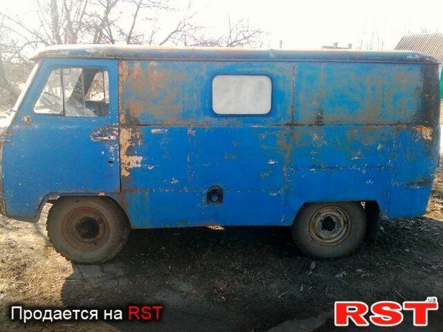 Синій УАЗ 452, об'ємом двигуна 2.4 л та пробігом 300 тис. км за 900 $, фото 1 на Automoto.ua