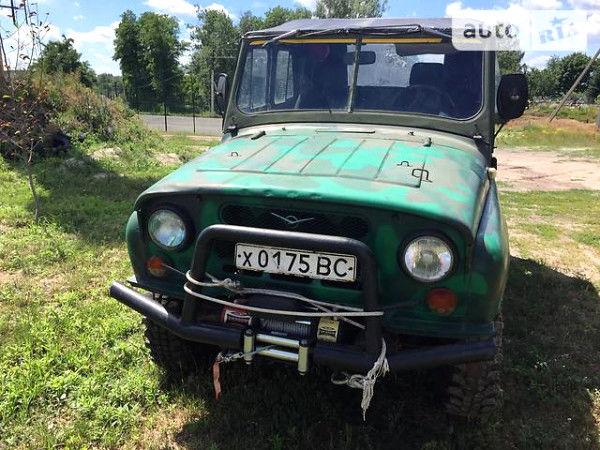 Зелений УАЗ 469, об'ємом двигуна 2.4 л та пробігом 67 тис. км за 3200 $, фото 1 на Automoto.ua
