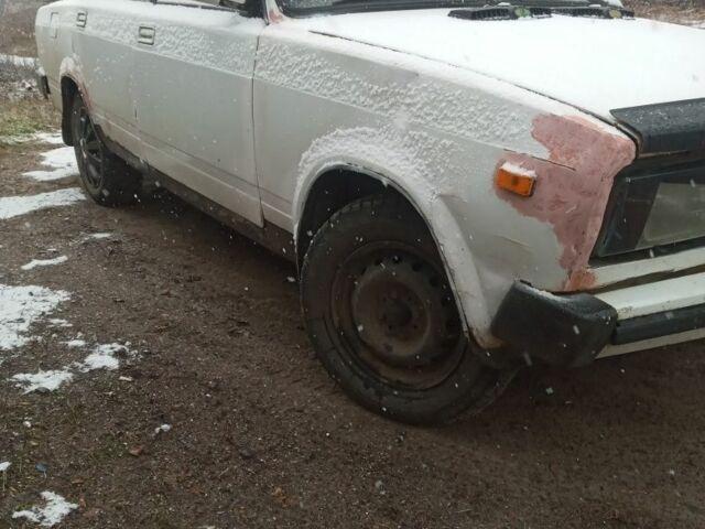Белый ВАЗ 2105, объемом двигателя 1 л и пробегом 1 тыс. км за 559 $, фото 1 на Automoto.ua