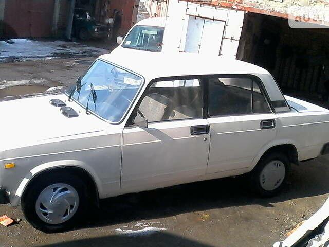 Белый ВАЗ 2105, объемом двигателя 1.5 л и пробегом 20 тыс. км за 695 $, фото 1 на Automoto.ua