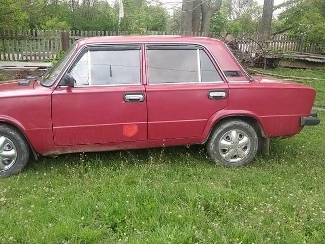 Красный ВАЗ 2106, объемом двигателя 1.5 л и пробегом 500 тыс. км за 1100 $, фото 1 на Automoto.ua
