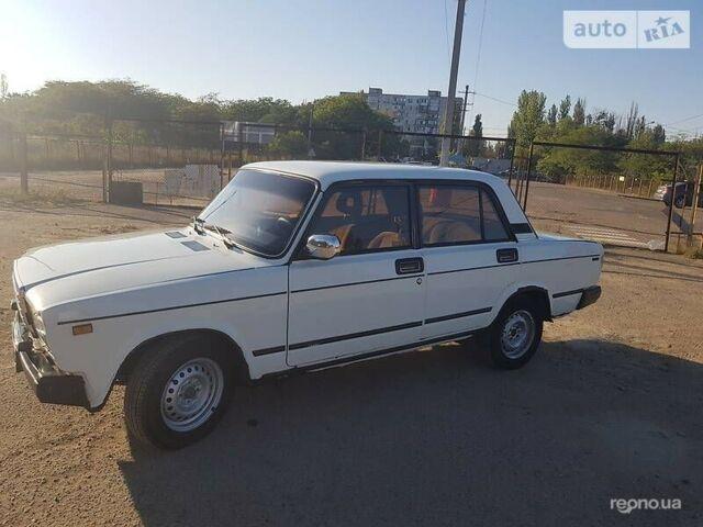 Белый ВАЗ 2107, объемом двигателя 1.5 л и пробегом 150 тыс. км за 1800 $, фото 1 на Automoto.ua