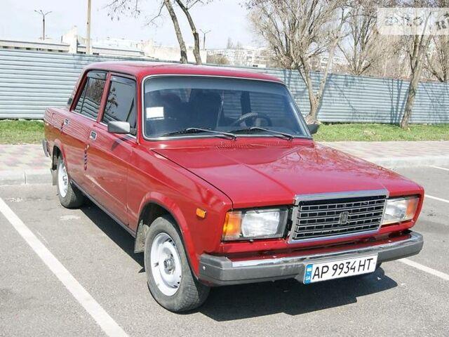Красный ВАЗ 2107, объемом двигателя 1.5 л и пробегом 34 тыс. км за 3000 $, фото 1 на Automoto.ua