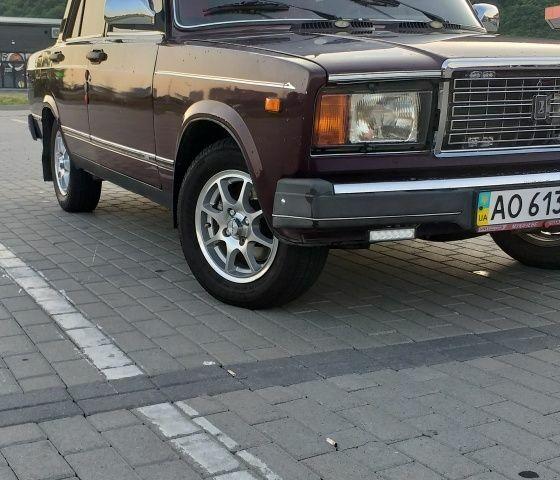 Красный ВАЗ 2107, объемом двигателя 1.5 л и пробегом 115 тыс. км за 2400 $, фото 1 на Automoto.ua
