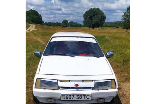 Белый ВАЗ 2108, объемом двигателя 1.3 л и пробегом 200 тыс. км за 800 $, фото 1 на Automoto.ua