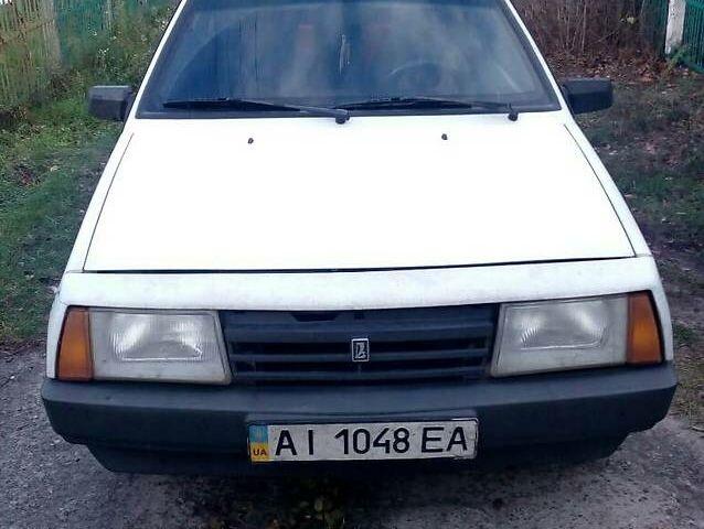 Белый ВАЗ 2108, объемом двигателя 1.3 л и пробегом 10 тыс. км за 1500 $, фото 1 на Automoto.ua