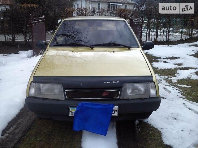 Желтый ВАЗ 2108, объемом двигателя 0 л и пробегом 50 тыс. км за 799 $, фото 1 на Automoto.ua