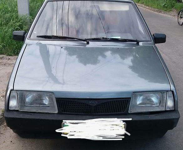 Серый ВАЗ 2109, объемом двигателя 0 л и пробегом 331 тыс. км за 2700 $, фото 1 на Automoto.ua