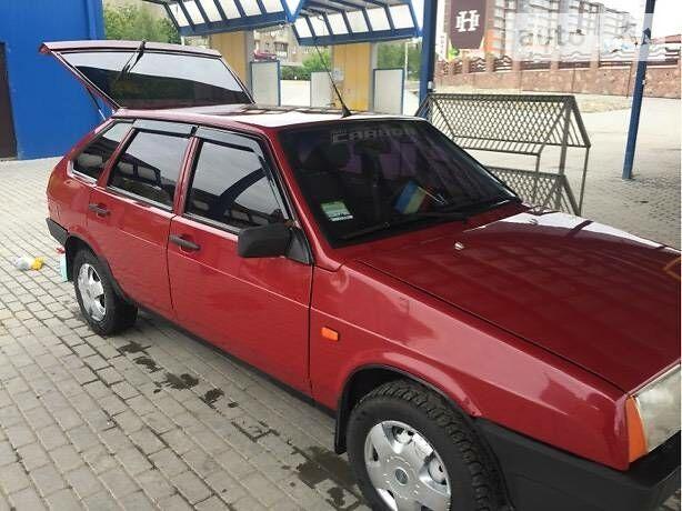 Вишнёвый ВАЗ 2109, объемом двигателя 1.5 л и пробегом 95 тыс. км за 1900 $, фото 1 на Automoto.ua