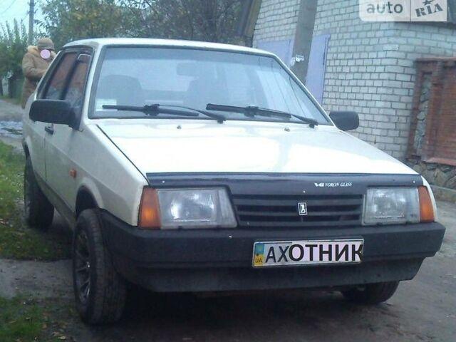 Бежевий ВАЗ 21099, об'ємом двигуна 1.3 л та пробігом 42 тис. км за 1650 $, фото 1 на Automoto.ua