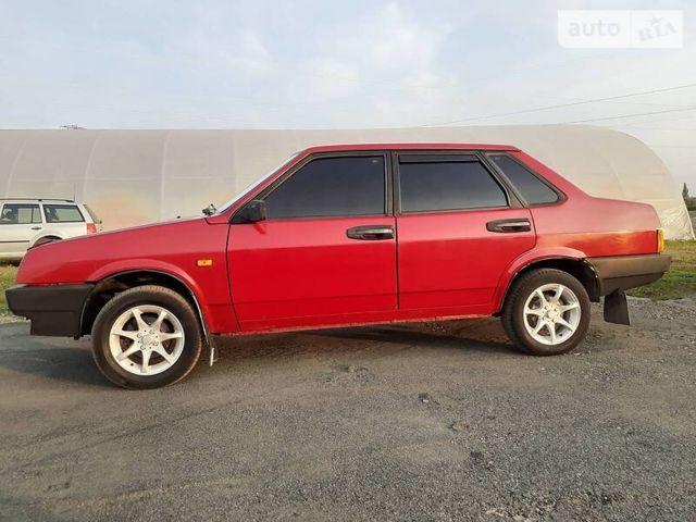Красный ВАЗ 21099, объемом двигателя 1.5 л и пробегом 95 тыс. км за 2000 $, фото 1 на Automoto.ua
