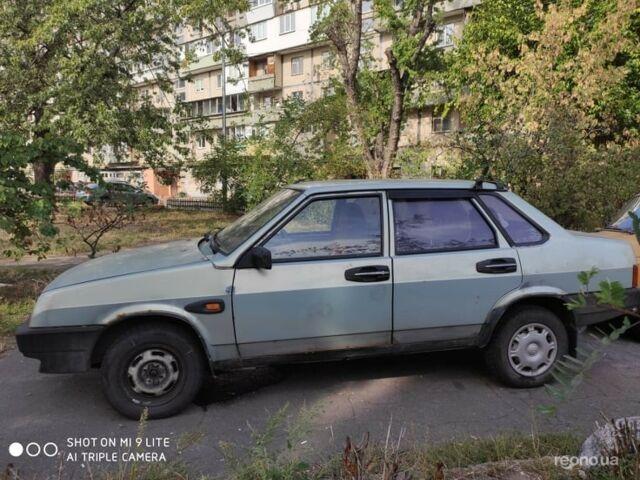 Серый ВАЗ 21099, объемом двигателя 1.5 л и пробегом 400 тыс. км за 1500 $, фото 1 на Automoto.ua