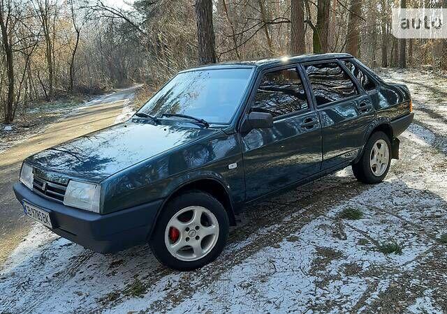Зеленый ВАЗ 21099, объемом двигателя 1.6 л и пробегом 151 тыс. км за 3150 $, фото 1 на Automoto.ua